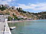 Het strand aan de haven van Pythagorion - Eiland Samos - Foto van De Griekse Gids